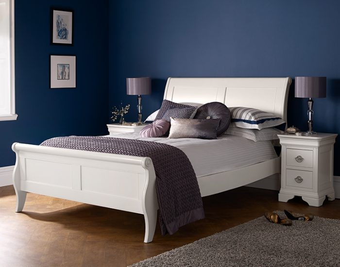 Tủ đầu giường Chantilly - Gỗ Dẻ Gai Châu Âu